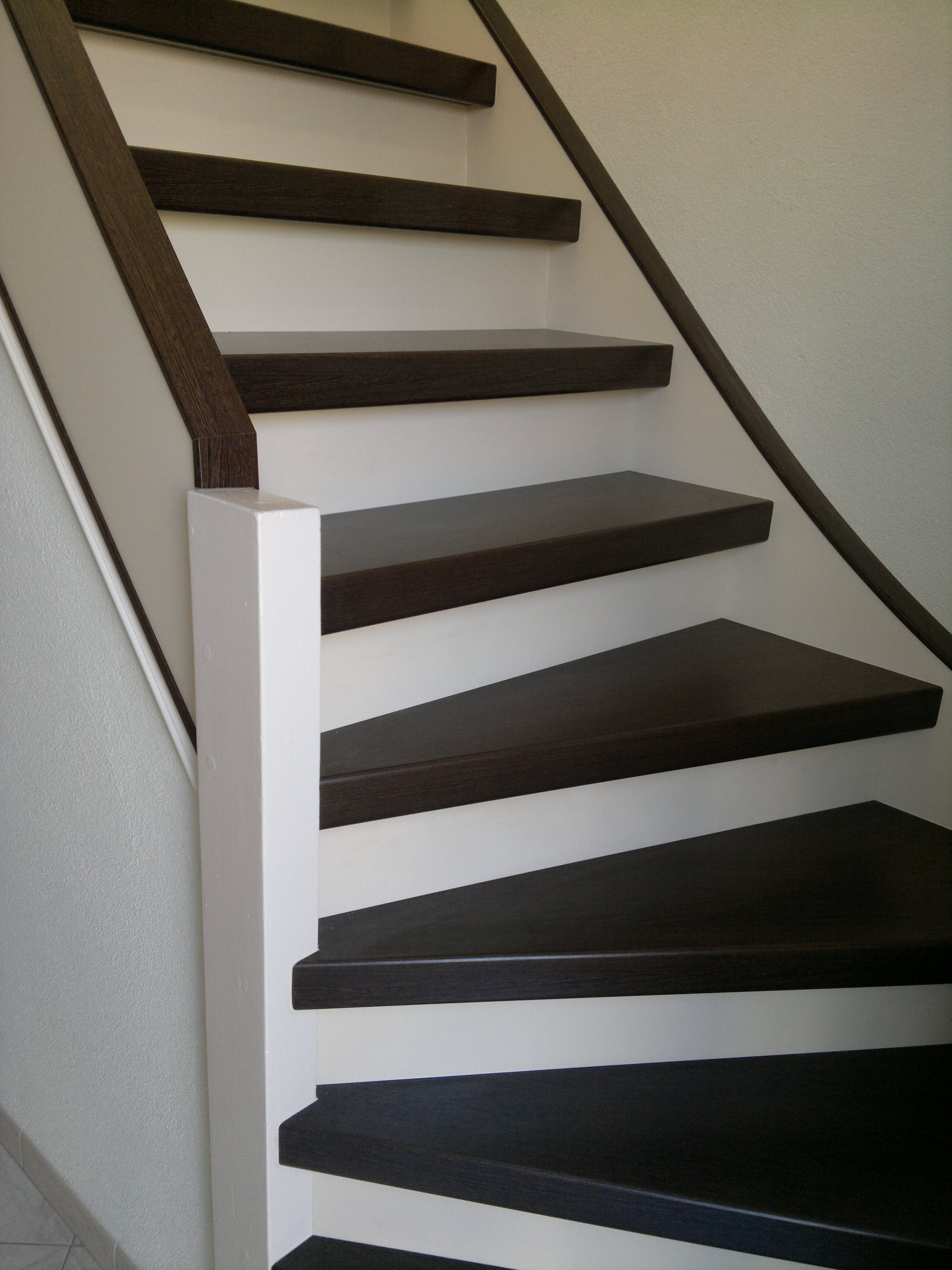 Trap bekleden pvc tapijt pvc gordijnen vloerkleden trap for Hoeveel traptreden heeft een trap