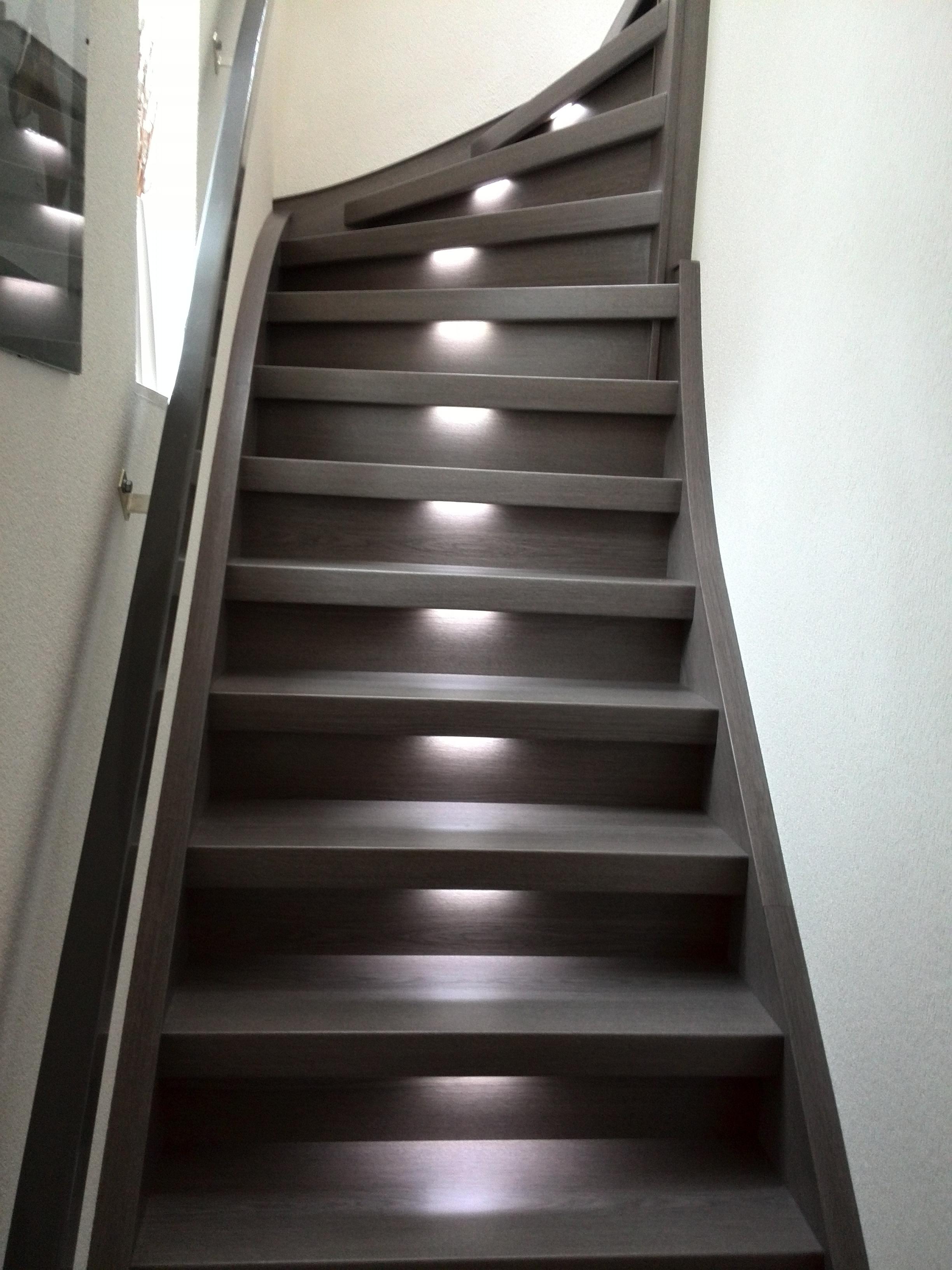 Verlichting Aan Trap: Waarom verlichting voor je trap echt wel nodig ...